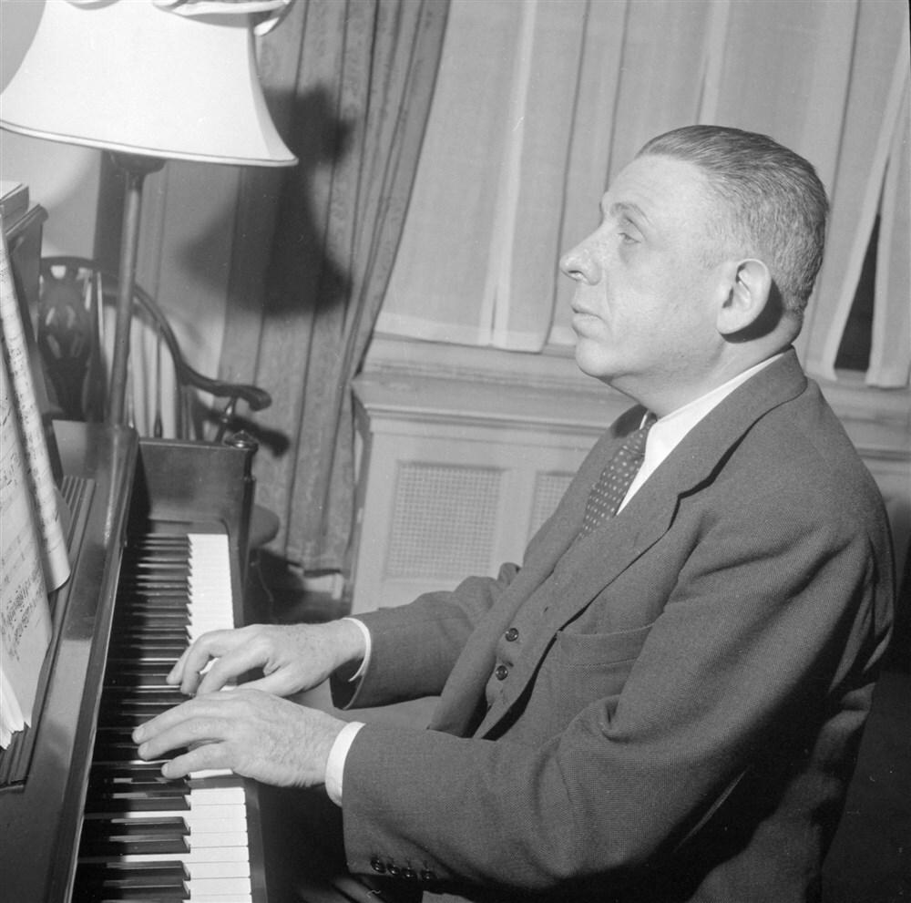 Francis poulenc piano anp