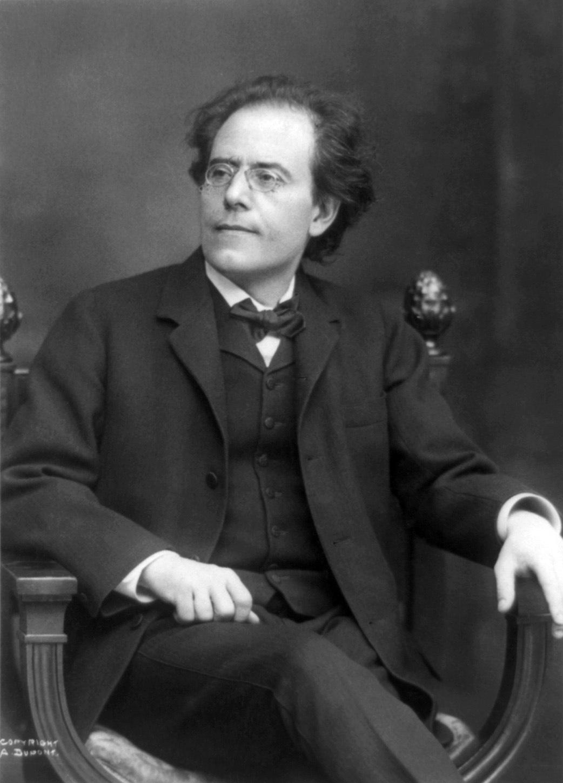 Mahler in 1909 wikimedia commons