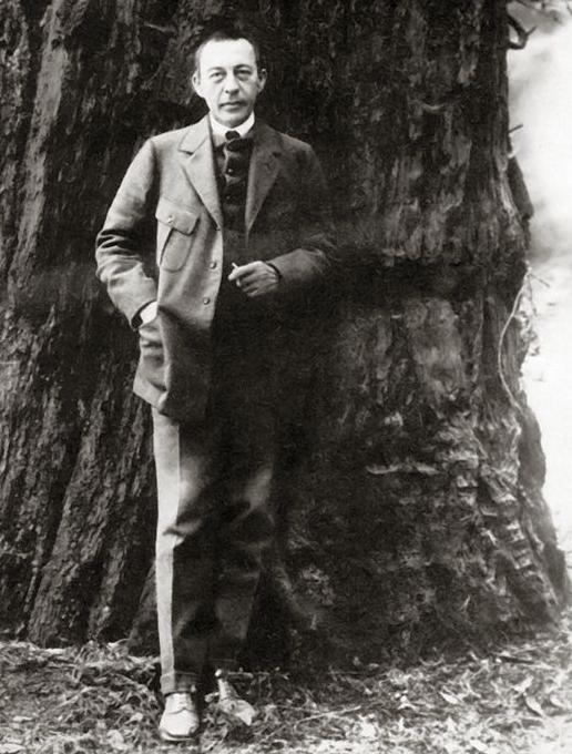 Rachmaninov redwood tree 1919 wikimedia commons