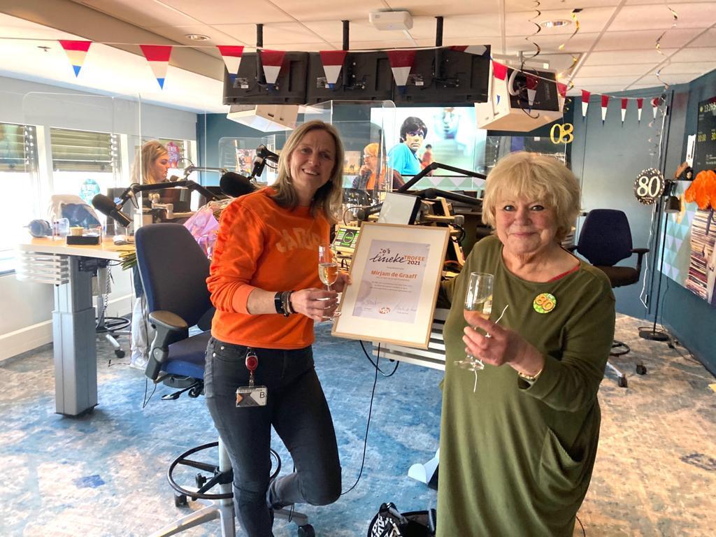 Mirjam de Graaff ontvangt Tineke Trofee