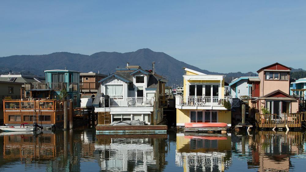 1200px Sausalito houseboat community 002