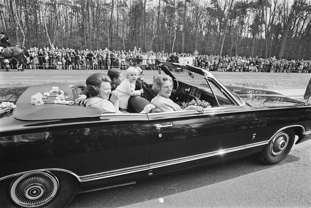 196920auto20troonopvolgers
