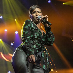 Edsilia Rombley in duet met Kenny B
